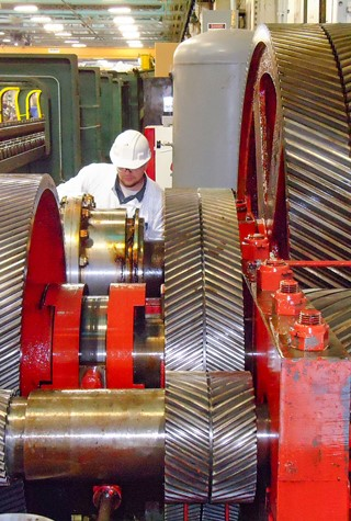 Industrial gearbox repair - field service for heavy gear systems